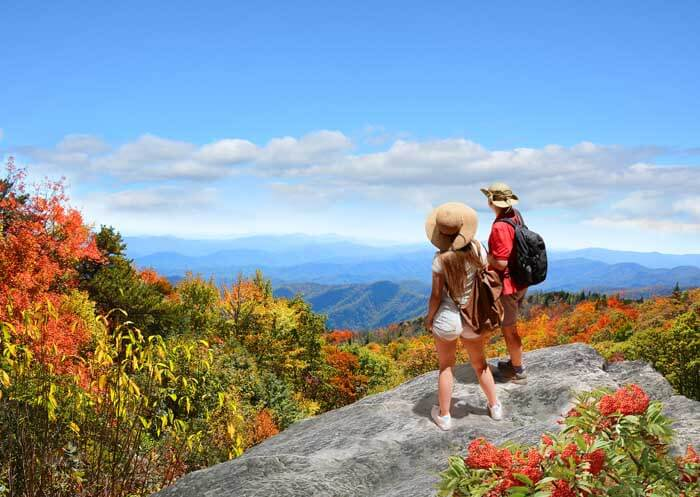 couple traveling in the us