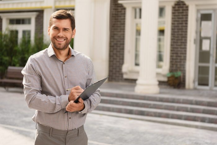 Short term rental management with property manager